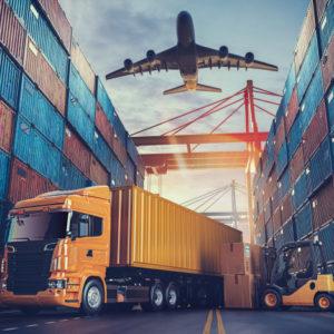 transporte-logistica-buque-carga-contenedores-avion-carga_37416-103